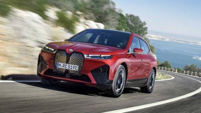 Электрокроссовер BMW iXполучит «заряженную» версию