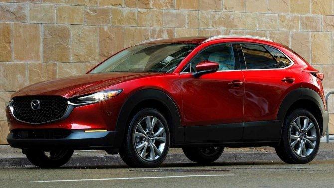 Кроссоверы Mazda CX-30 могут «нокаутировать» своих владельцев