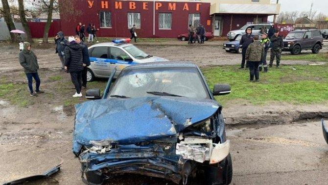 Двое детей и трое взрослых пострадали в ДТП под Воронежем