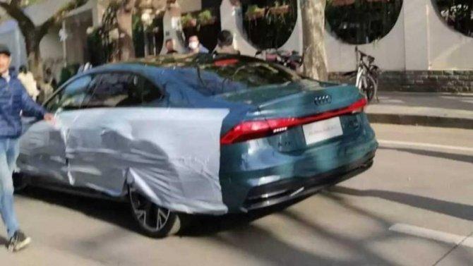 Появился снимок удлинённого Audi A7