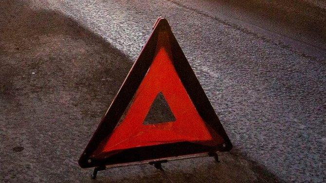 В Петербурге опрокинулась иномарка – пострадали пассажиры