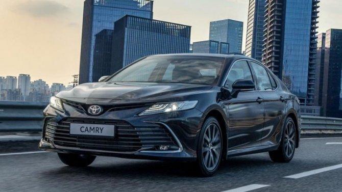В России стартовали продажи обновлённой Toyota Camry