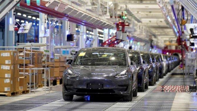 Фирма Tesla построит новый завод— наэтот раз вИндии