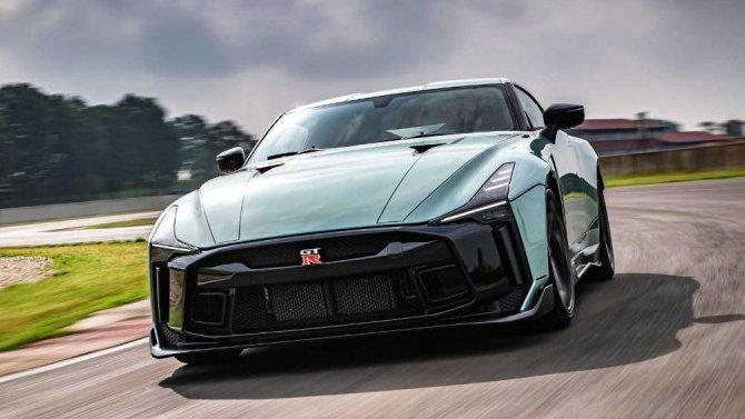 Суперкар Nissan GT-R получит особо мощный двигатель