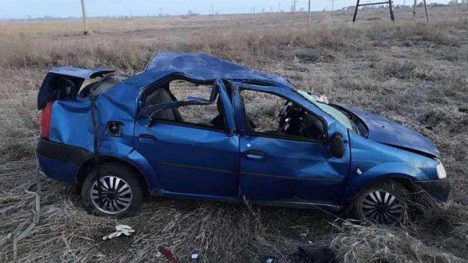 Три человека погибли при опрокидывании машины в Кургане