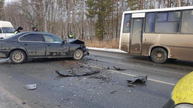Девушка погибла в ДТП с автобусом под Тюменью