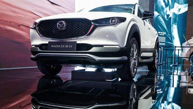 Шанхай-2021: представлен электрокроссовер Mazda CX-30 EV