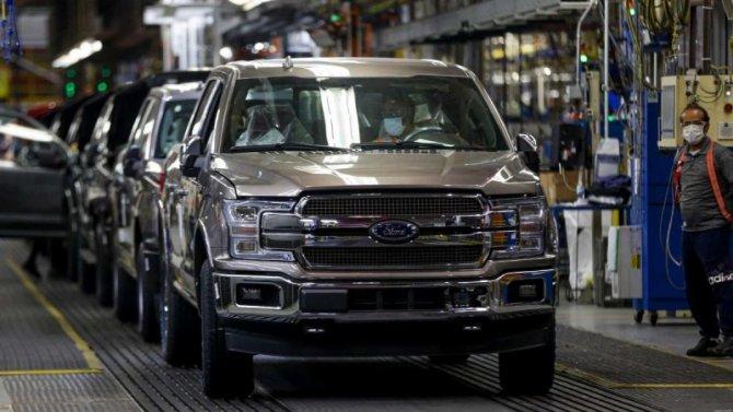 Отменены летние отпуска для сотрудников Ford Motor Co.