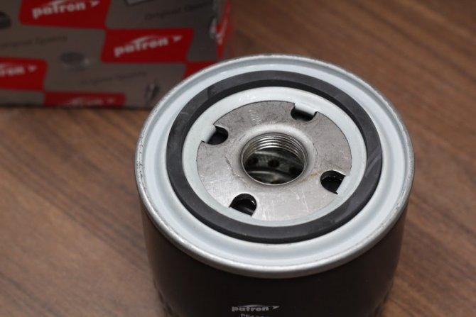 Масляный фильтр Патрон