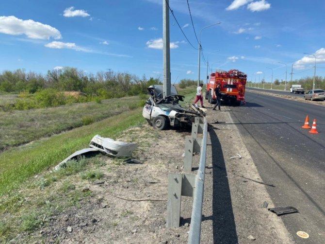 В Городищенском районе Волгоградской области автомобиль врезался в столб – водитель погиб (1)