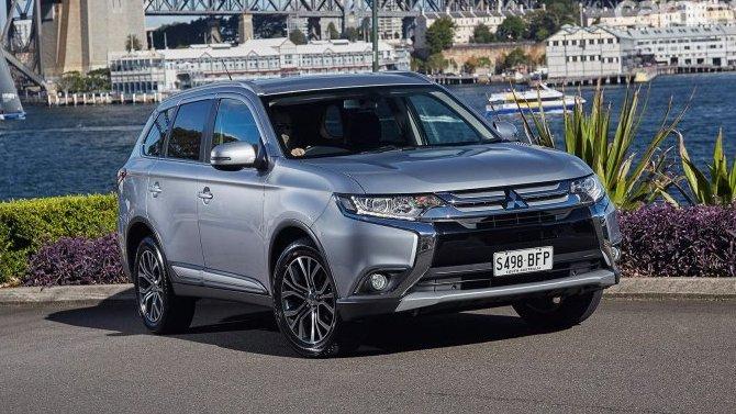 Укроссоверов Mitsubishi Outlander выявлены проблемы с«ручником»