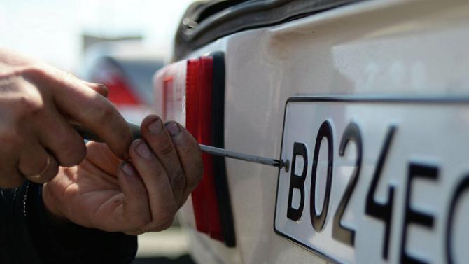 Заиспользование «липовых» номеров предлагается сажать втюрьму