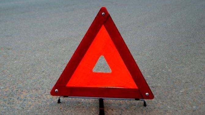 Под Оренбургом автомобиль врезался в столб – водитель погиб
