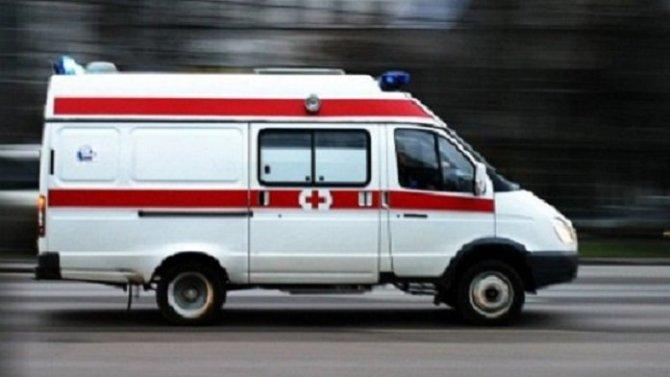 Мотоциклист с пассажиркой пострадали в ДТП в Смоленске