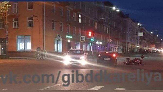 Мотоциклист пострадал в ДТП в Петрозаводске