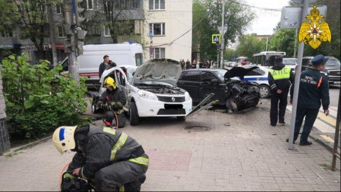 Два человека пострадали в ДТП в центре Калуги