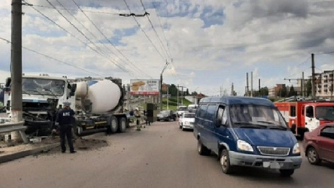 Женщина пострадала в массовом ДТП в Курске