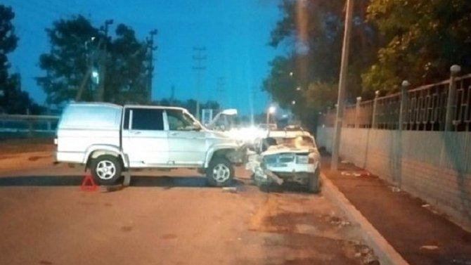 Двое взрослых и трое детей пострадали в ДТП в Астрахани