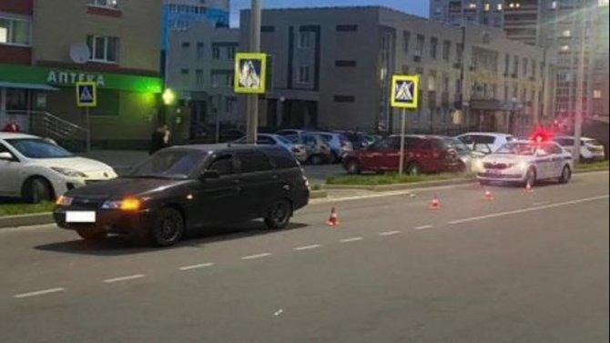 В Брянске автомобиль на переходе сбил 9-летнего мальчика