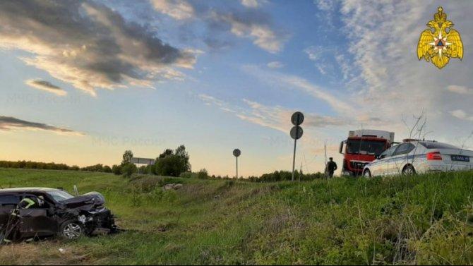 Три человека пострадали в ДТП с грузовиком в Козельском районе Калужской области