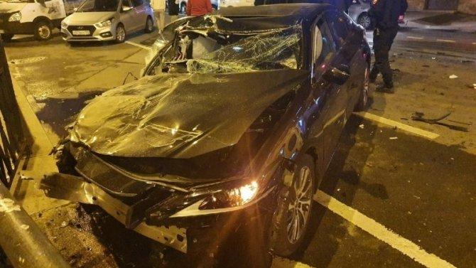 В ДТП с «Газелью» в центре Петербурга пострадал человек