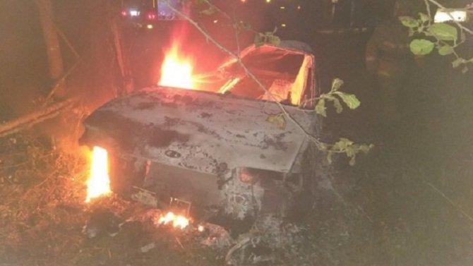 Во Владимирской области в машине сгорел человек