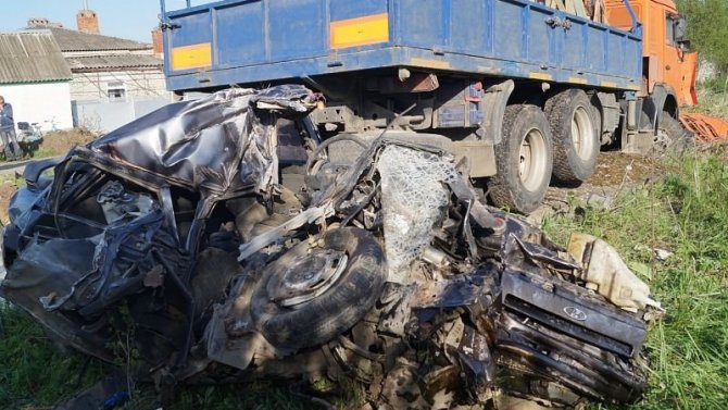 В Курганинском районе Краснодарского края в ДТП погибли два человека