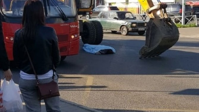 В Ярославле экскаватор задавил пешехода