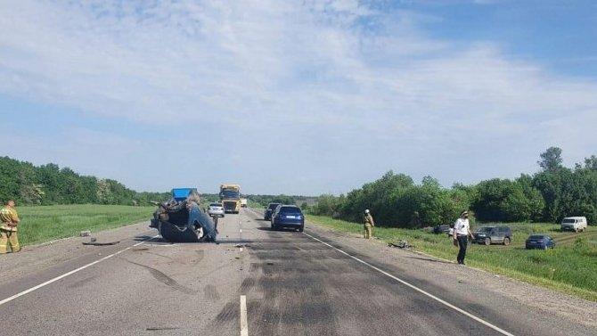 Три человека пострадали в ДТП в Новоаннинском районе Волгоградской области