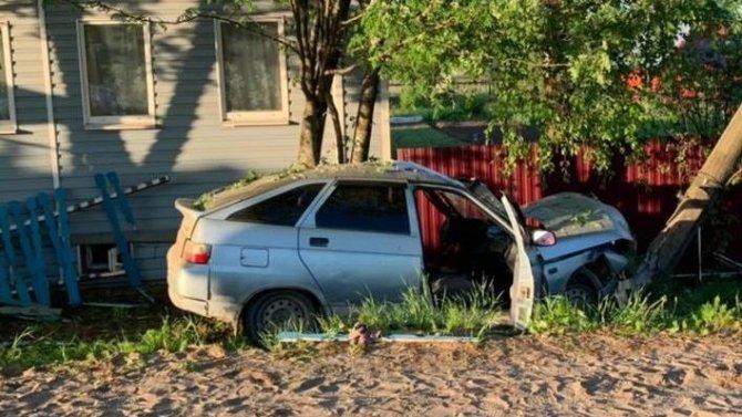 В Никольске ВАЗ врезался в столб – погибли два молодых человека