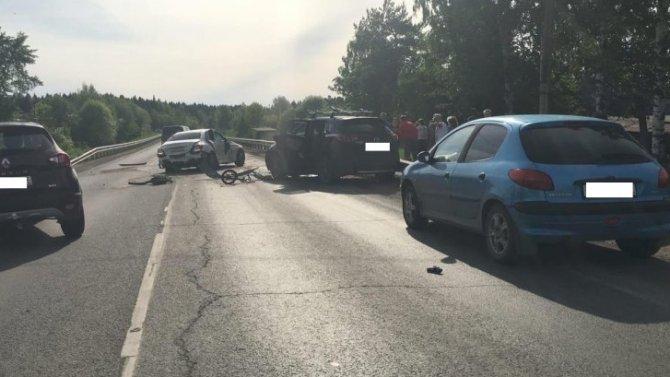 В Кировской области произошло тройное ДТП, 5 человек пострадали