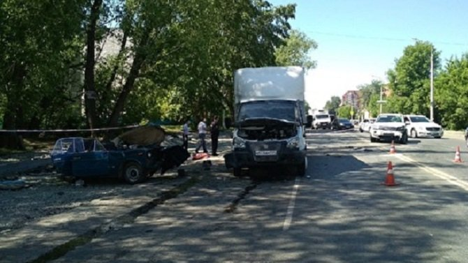 Два человека погибли в массовом ДТП в Челябинске