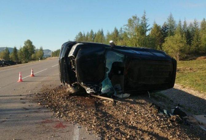 В ночном ДТП в Алданском районе Якутии погиб человек (1)