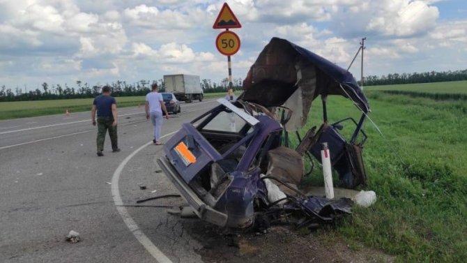 В ДТП в Кореновском районе разорвало ВАЗ – погиб пассажир