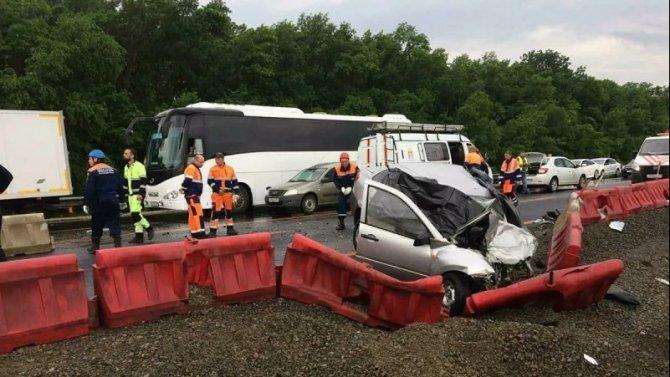 Три человека погибли в ДТП на трассе «Дон» в Ростовской области