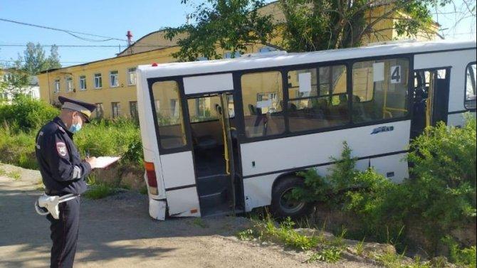 В Свердловской области автобус насмерть сбил шесть человек