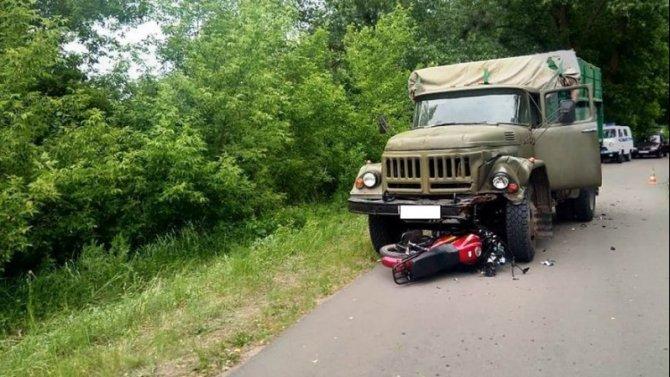 14-летний подросток погиб в ДТП с грузовиком в Воронежской области