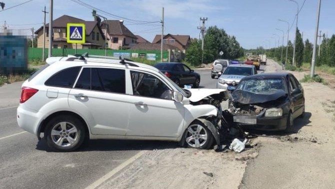 Два человека пострадали в ДТП в Кировском районе Волгограда