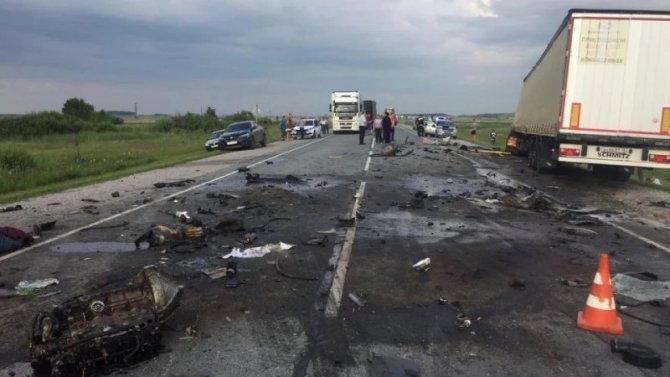 Водитель «Газели» погиб в ДТП с грузовиком под Новосибирском