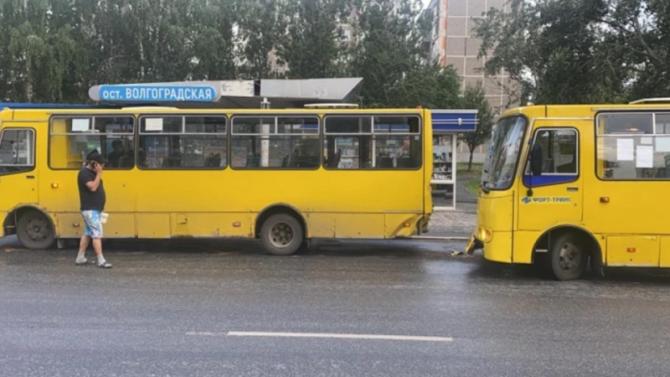 Двое взрослых и ребенок пострадали в ДТП с автобусами в Екатеринбурге