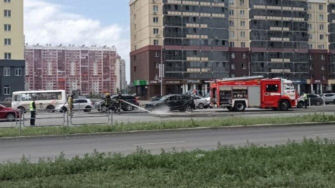 В Челябинске опрокинулся автомобиль – пострадали двое