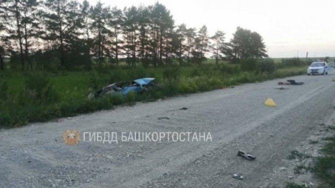 Два человека погибли при опрокидывании машины в Башкирии
