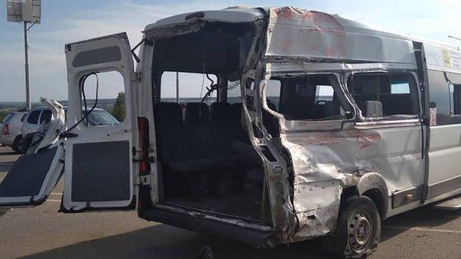 Два человека погибли в ДТП с маршруткой в Воронежской области