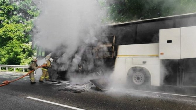 15 детей и водитель были доставлены в больницу после ДТП на Кубани