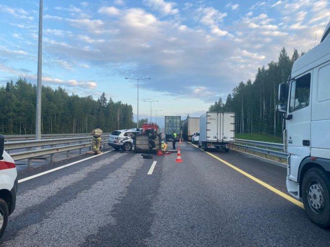 В Бологовском районе в ДТП с грузовиком погиб человек (3)