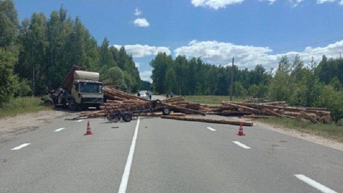 Женщина-водитель трактора погибла в ДТП в Шиловском районе