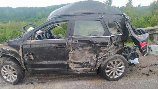В ДТП с лесовозом в Челябинской области погиб человек