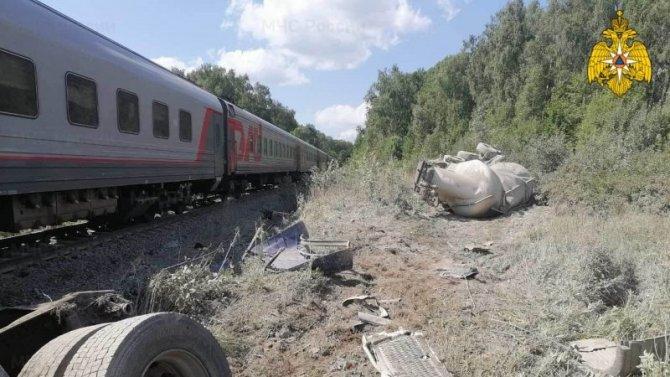 В ДТП с поездом в Калужской области погиб водитель грузовика