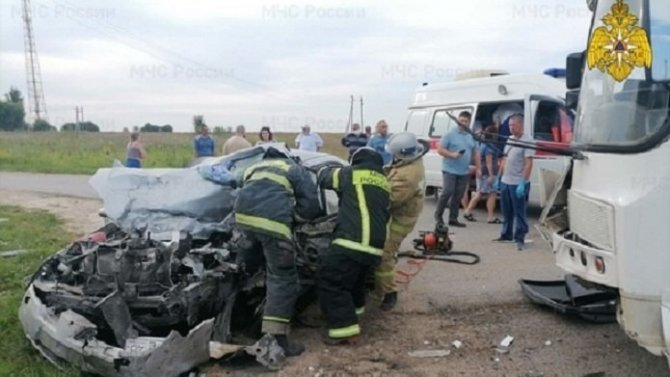 В ДТП с автобусом в Калужской области погиб человек