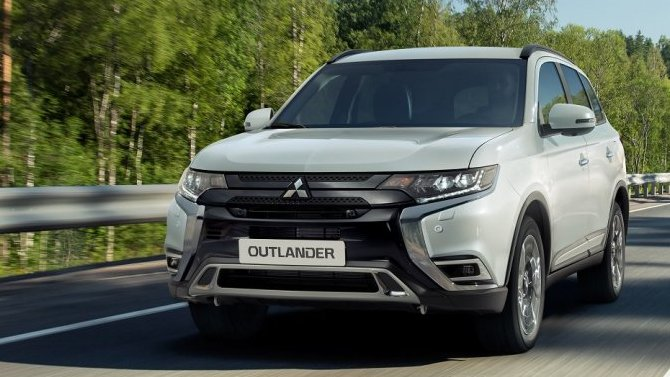 ВРоссии начались продажи нового Mitsubishi Outlander